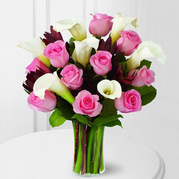 The FTD Warm Embrace Bouquet